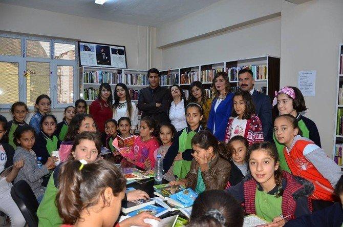 Uludere'nin İlk Kütüphanesi Açıldı