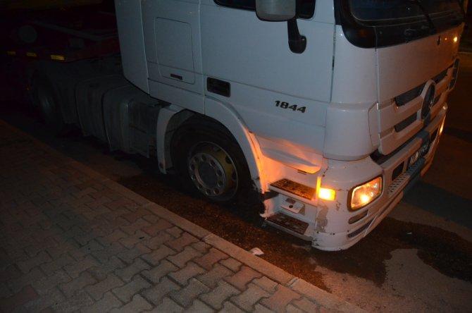Bomba gibi patlayan kamyon lastikleri paniğe yol açtı
