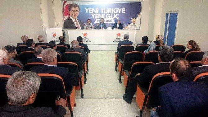 AK Parti İlçe Başkanları Toplantısı Yapıldı
