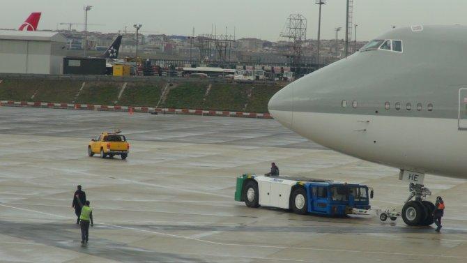 Atatürk Havalimanı'nda kuşlar sirenlerle uzaklaştırılıyor