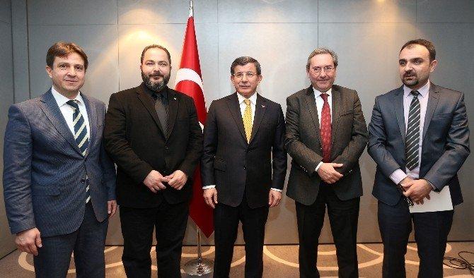 Başbakan Davutoğlu'ndan Mesajlar: