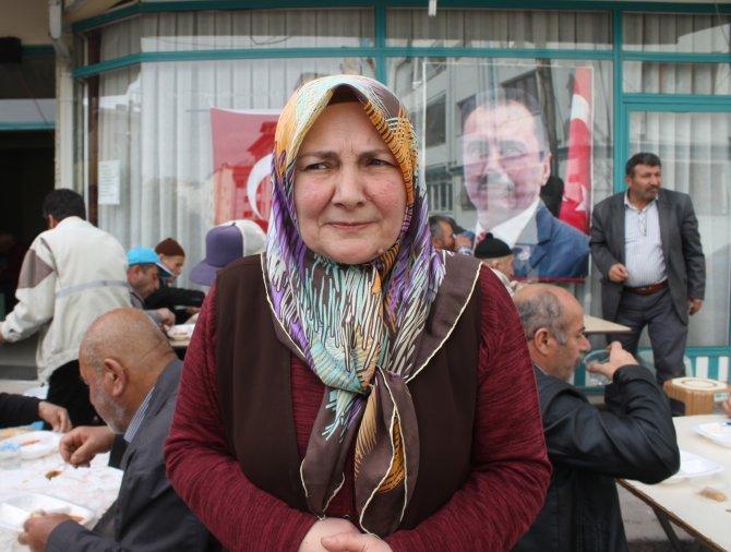Yazıcıoğlu için 7 yıldır her hafta 500 kişilik sofra kuruyorlar