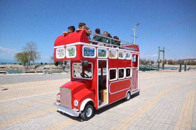 Beyşehir'de Artık Çocukların Da Otobüsü Var