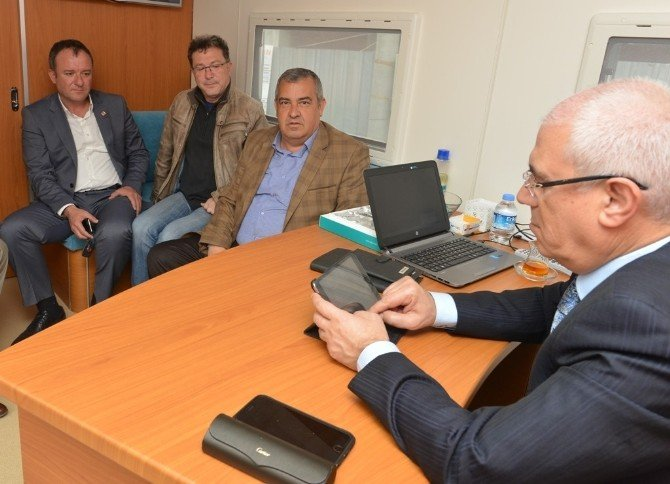 """Nilüfer Belediye Başkanı Bozbey: """"Uludağ Üniversitesi'ne Ruhsatsız Binalar Yakışmıyor"""""""