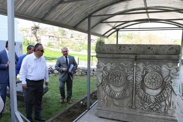 Vali Fidan Tarihi Konualp'i İnceledi