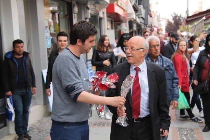 Belediyeden, Kutlu Doğum Haftasında 5 Bin Karanfil