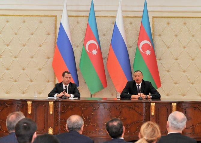 Cumhurbaşkanı Aliyev, Medvedev'i kabul etti