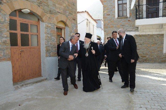 Papa Ve Patrik Midilli'de Mülteciler İçin Buluşacak