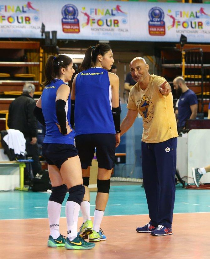 Fenerbahçe Grundig, çalışmalarını sürdürüyor