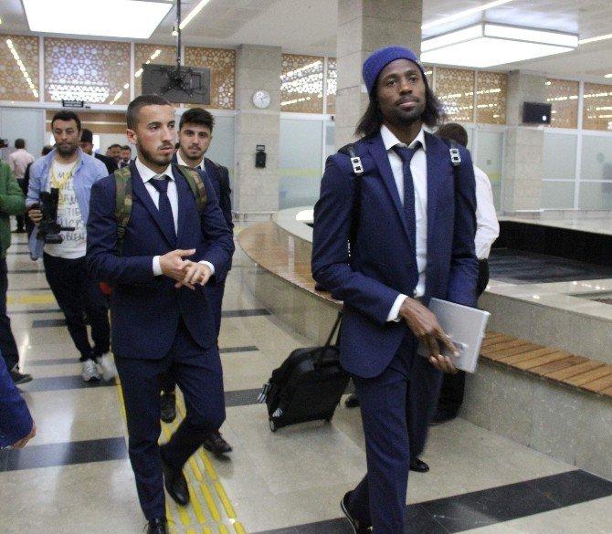 Fernebahçe Kafilesi Konya'ya Geldi