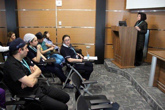 Dünyam Hastanesi Çalışanlarına Beden Dilinin Etkin Kullanımı Semineri Verildi