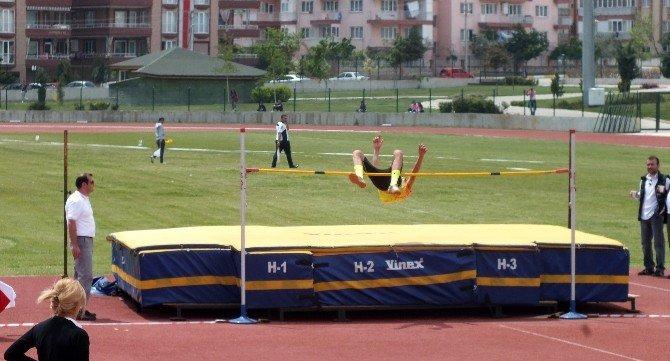 Gediz Selçuklu Mesleki Ve Teknik Anadolu Lisesi Atletizm Takımı Türkiye Finallerinde