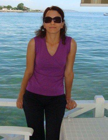 Kadın Avukat 7. Kattan Ölüme Atladı