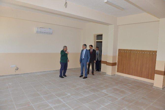 Turan Akpınar, Okul İnşaatlarını Gezdi