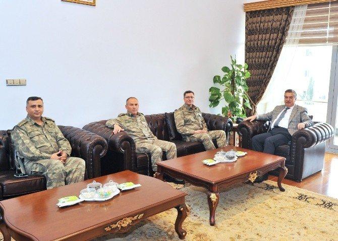Korgeneral İbrahim Yaşar, Vali Al'ı Ziyaret Etti
