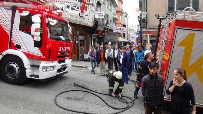 Kebapçının Bacasındaki Yangın Korkuttu