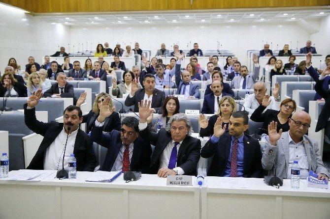 Pekdaş'tan AK Partili Meclis Üyelerine Tepki