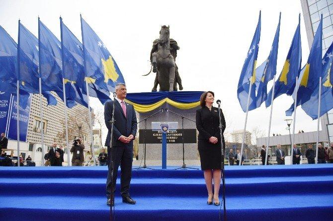 Kosova'da Yeni Cumhurbaşkanı Görevi Devraldı