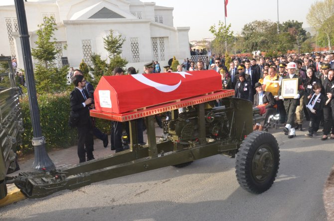 Nusaybin'de şehit olan binbaşı dualarla uğurlandı