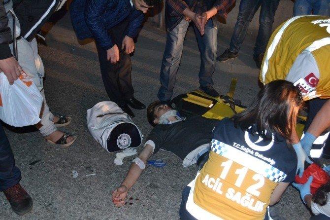 Otomobille Motosiklet Çarpıştı: 4 Yaralı