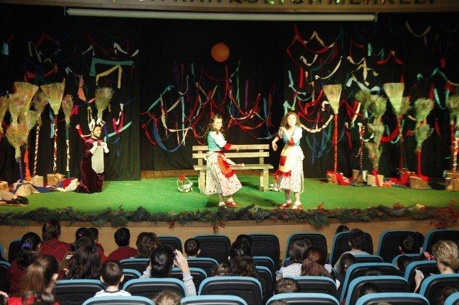 Odunpazarı Tiyatroya Doyuyor