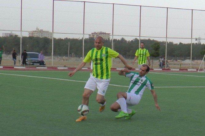 Eski Futbolcular Suriye Sınırında Maç Yaptı