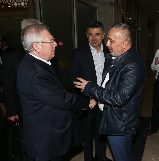 Fenerbahçe kafilesine Konya'da coşkulu karşılama