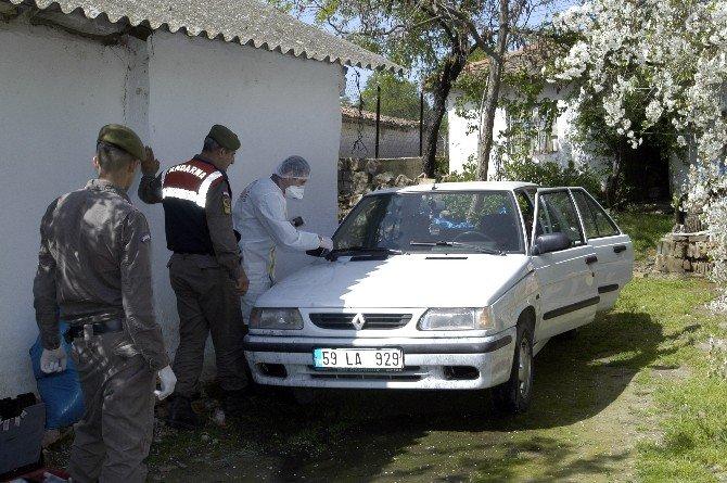 Otomobilin Teyp Ve Aküsünü Çaldılar