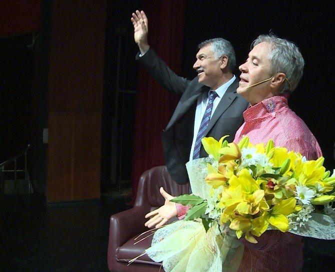 "Metin Uca'dan ""Hakuna Matata"" Gösterisi"