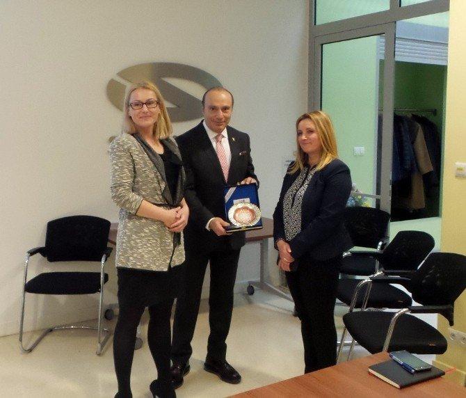 Türkiye, Ticari Araç Ve Yan Sanayideki Tecrübesini Polonya'ya Satacak