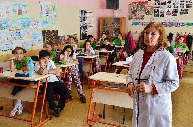 Doğum Gününde Emekli Olan Öğretmene Hüzünlü Veda