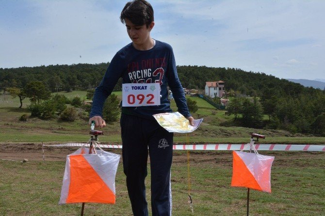 Oryantiring Gençler Kız/erkek Grup Yarışları Niksar'da Koşuldu