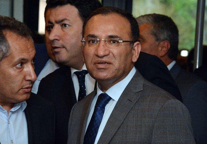 """Bozdağ'dan Muhalefete """"Birlik Ve Beraberlik"""" Eleştirisi"""