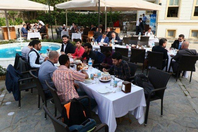 AK Partili Turan'dan Teröre Karşı Birlik Ve Beraberlik Mesajı