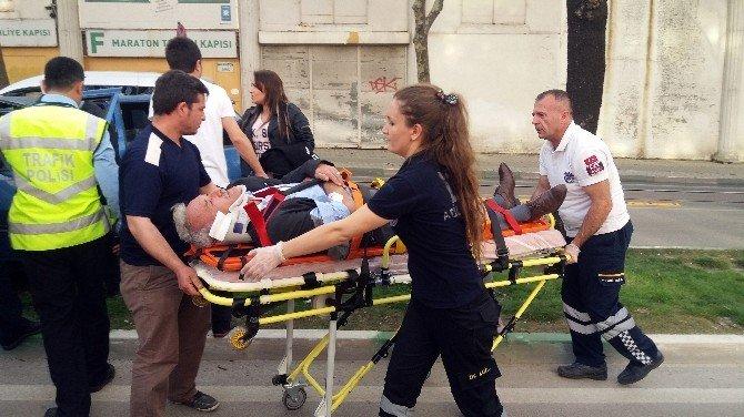 Bursa'da Ağaca Çarpan Araçta 2 Kişi Yaralandı