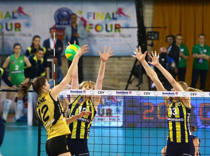 Fenerbahçe Grundig: 0 - VakıfBank: 3