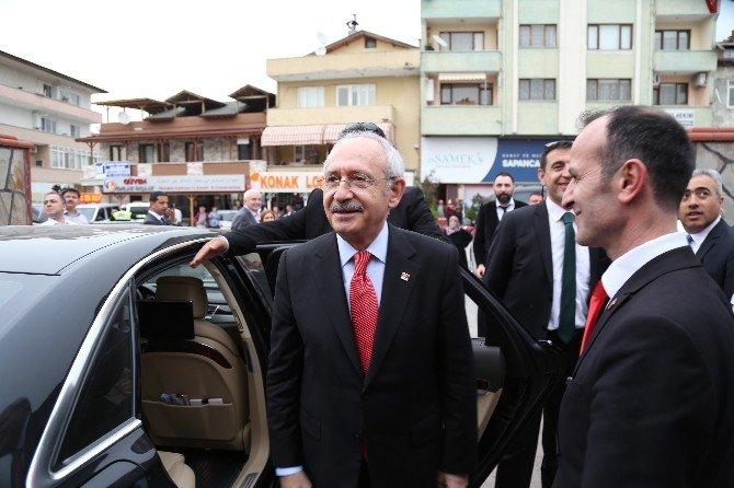 Kılıçdaroğlu, Bayanlarla Sohbet Etti