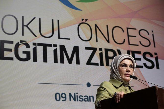 Emine Erdoğan, okul öncesi eğitim zirvesine katıldı