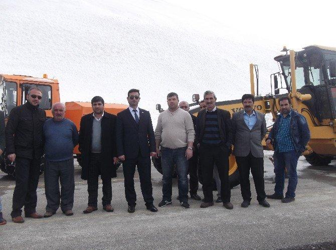 Erzurum'da Nisan Ayında Karla Mücadele
