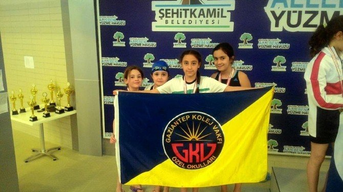 GKV'li Altın Kulaçlar Türkiye Şampiyonasına Gidiyor