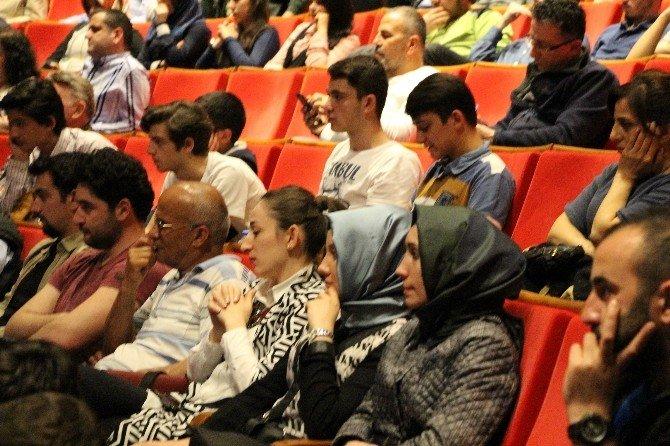 'Gençlik Yeni Anayasa İstiyor' Programı