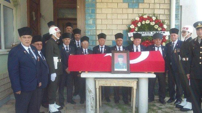 Kıbrıs Gazisi Askeri Törenle Son Yolcuğuna Uğurlandı