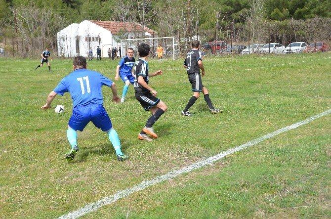 Hanönü Belediye Spor Evinde 2-2 Berabere Kaldı