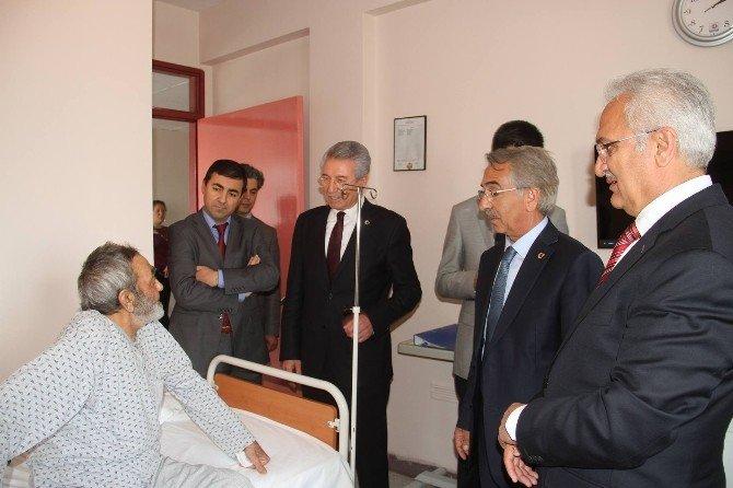 Hastaları Ziyaret Ettiler