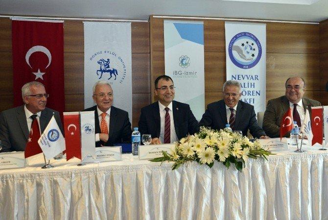 İzmir'i Yıldızlaştıracak Dev Proje İçin 2.5 Milyon Liralık Bağış