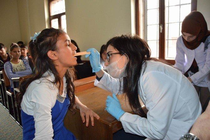 Kayders Öğrencilerine Ücretsiz Diş Taraması Yapıldı