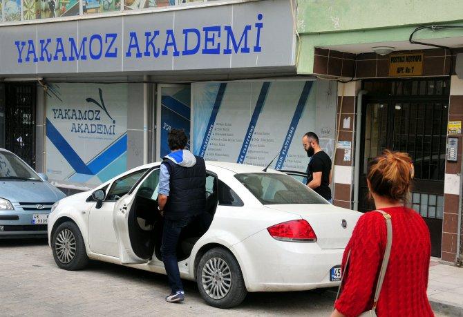 Manisa'da polis tarafından 4 şirket ile 1 derneğe operasyon düzenlendi