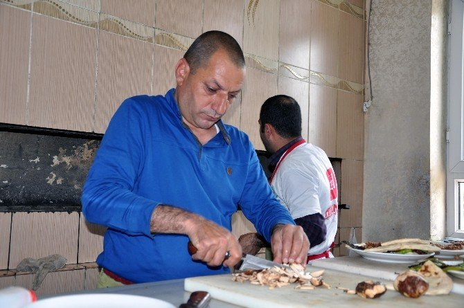 Kızıltepe'de Dobelanlı Kebaba Yoğun İlgi
