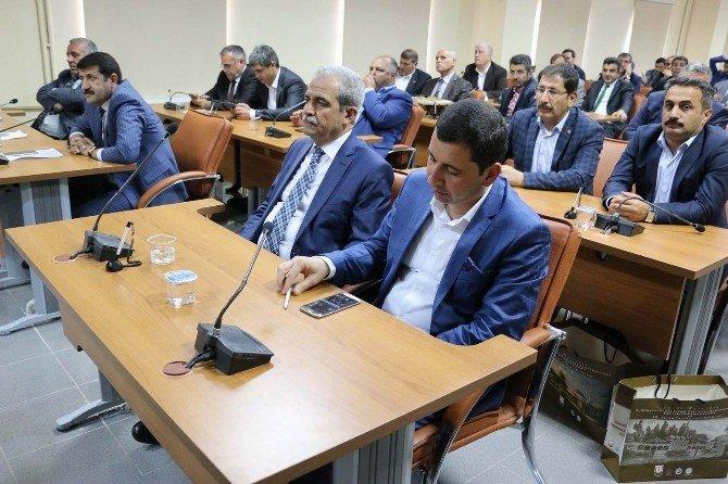 Demirkol'un Tarihi Konuşması Mecliste Dikkatle Dinlendi