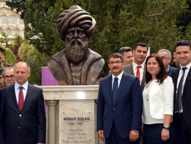Mimar Sinan'ın Ege'deki tek eserinin girişine büstü yapıldı